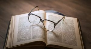 Sok Tahu, Bukti Sempitnya Ilmu